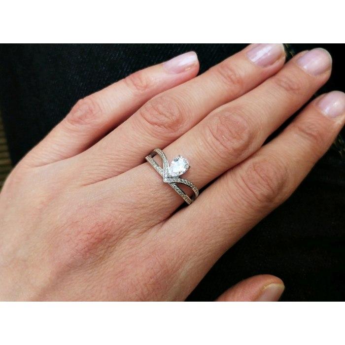 Srebrny, zaręczynowy pierścionek z cyrkonią