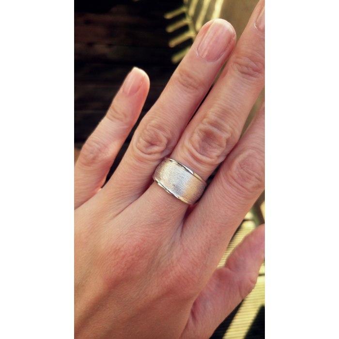 Duży srebrny pierścionek szczotkowany