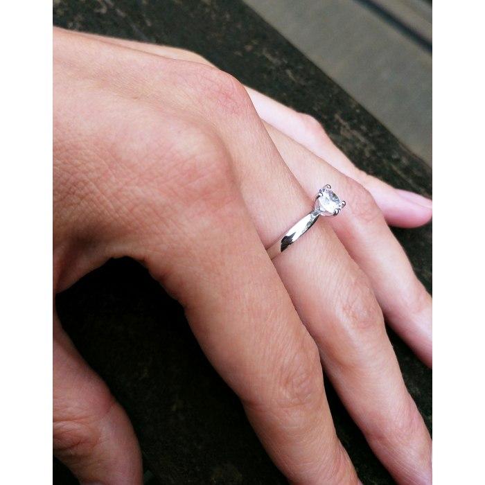 Srebrny zaręczynowy pierścionek z dużą cyrkonią