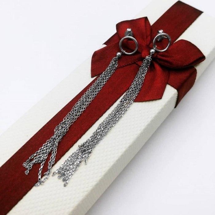 Długie srebrne kolczyki łańcuszki