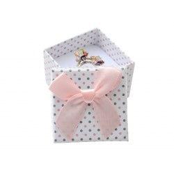 Pudełko 4x4x3 cm rbiałe w różowe kropki kokarda