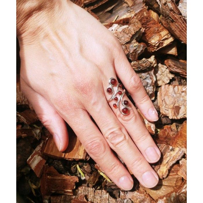 Duży srebrny pierścionek z bursztynami + pudełko
